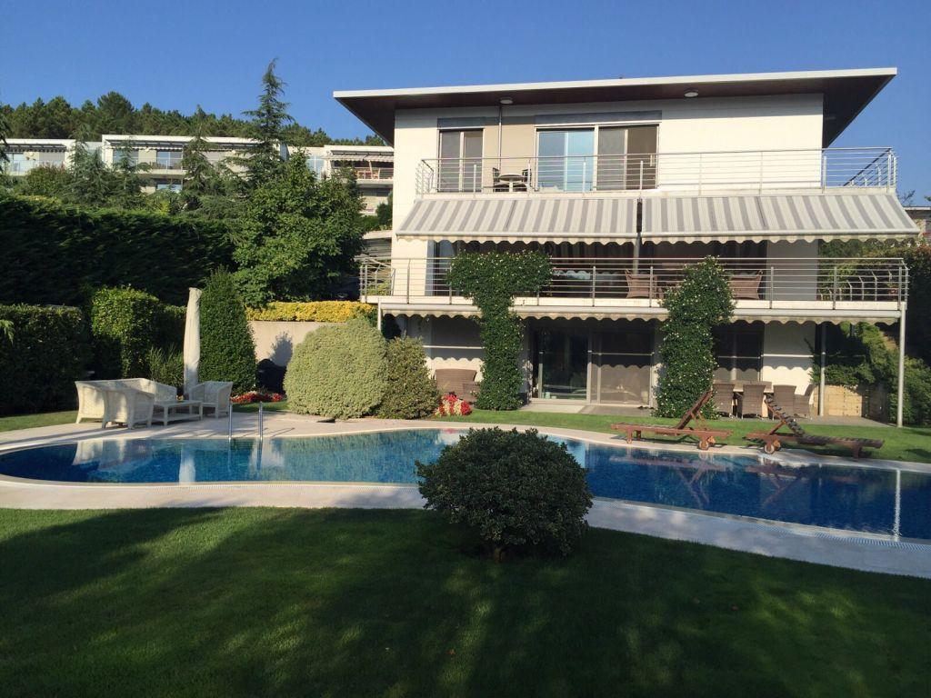 Chalet en alquiler con piscina privada gabinohome for Alquiler chalet con piscina privada tarragona