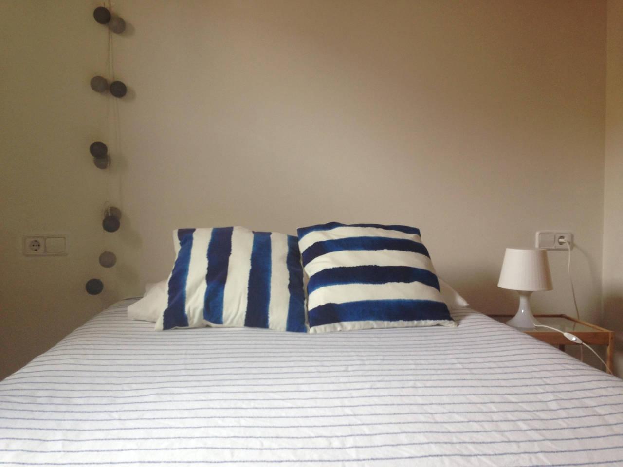 sch nes schlafzimmer in santa catalina gabinohome. Black Bedroom Furniture Sets. Home Design Ideas