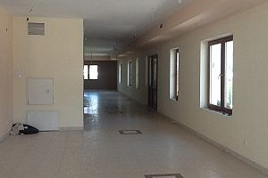 Commercial property ok.700m2, National road No.4,.  Photo 14
