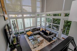 Townhouse For Sale in Miami Beach 3 Bedrooms 3.5 B.  Photo 2