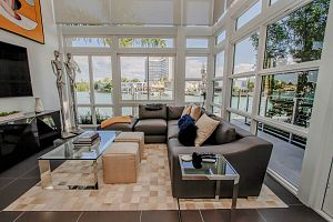 Townhouse For Sale in Miami Beach 3 Bedrooms 3.5 B.  Photo 5