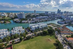 Townhouse For Sale in Miami Beach 3 Bedrooms 3.5 B.  Photo 7