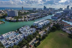 Townhouse For Sale in Miami Beach 3 Bedrooms 3.5 B.  Photo 11