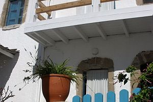 Traditional house, terrace with panoramic view, Tilos.  Photo 1
