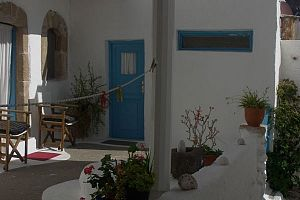 Traditional house, terrace with panoramic view, Tilos.  Photo 2