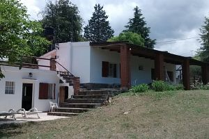 House and rooms for rent.  Photo 3