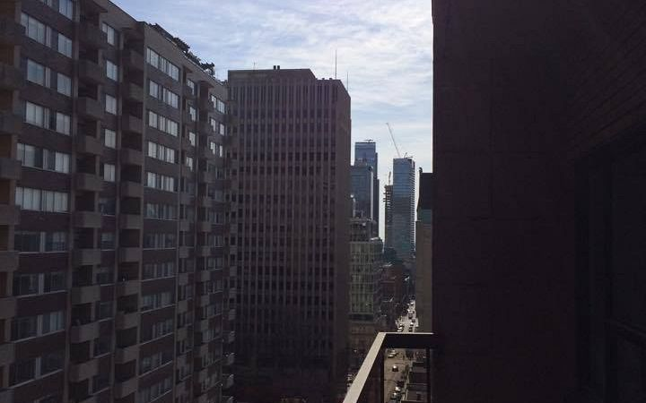 Comfortable and modern apartment Downtown Montreal. Photo 1
