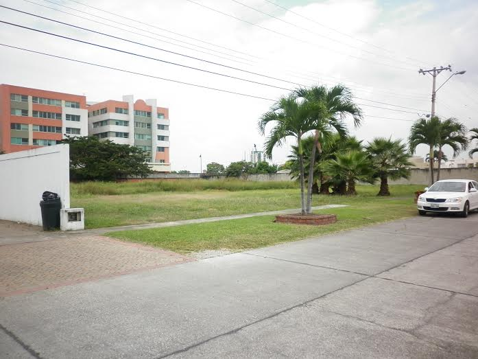 Beautiful Land Of 2000 M2 Filled In One Of The Most Exclusive Safe And Comfortable Housing Developments Guayaquil Camino Real 2 5 Km Via Samborondon